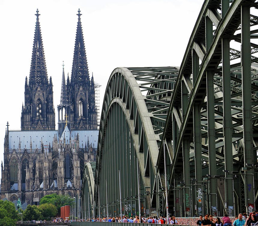 cologne cathedral hohenzollern bridge love locks arch 161026